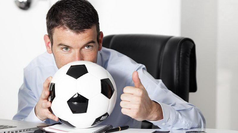 מנהלים מקצועיים בספורט