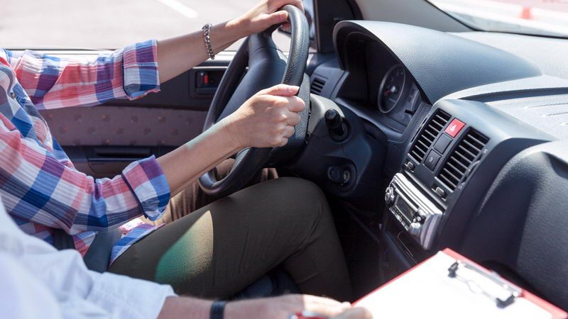 מורים לנהיגה